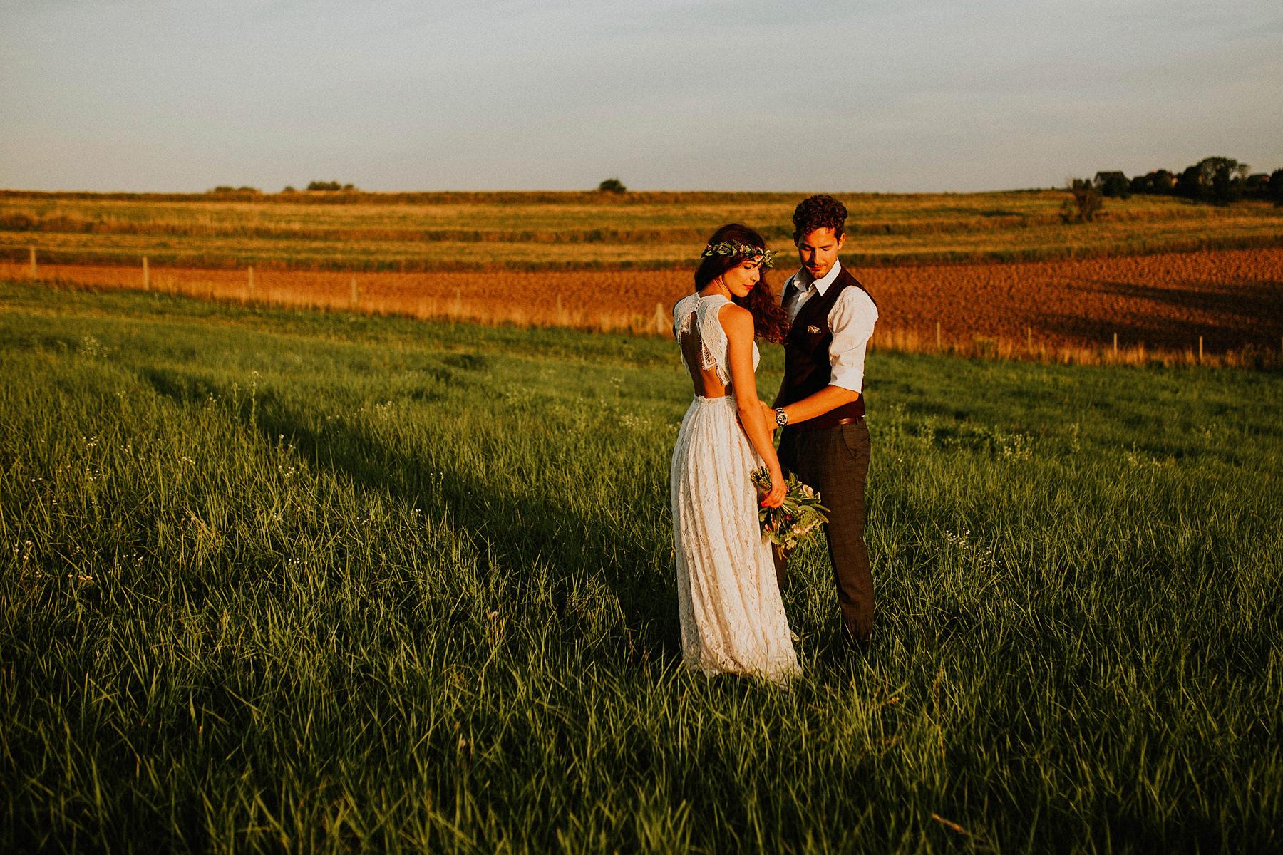 041 w dolinie stawu boho stodola barn krakow sesja poslubna slubna wesele slub fotograf karol nycz photography poland