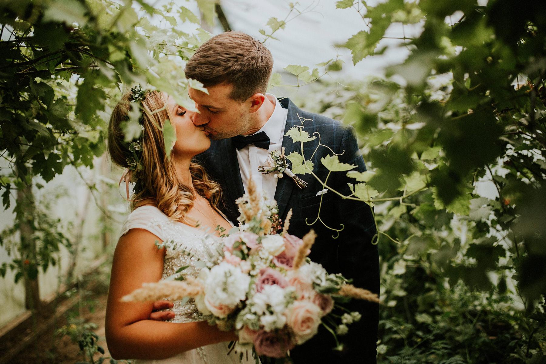 sesja poślubna w szklarni
