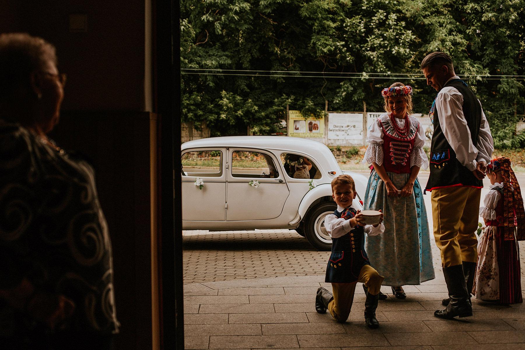 slaskie wesele w stroju ludowym