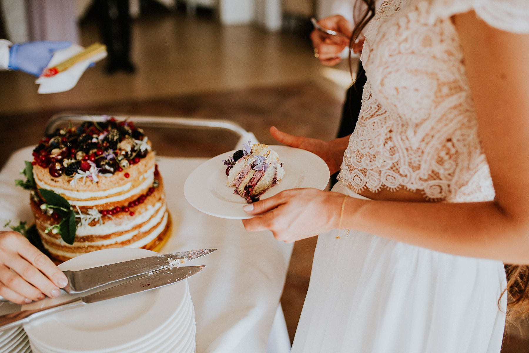tort weselny wedding cake