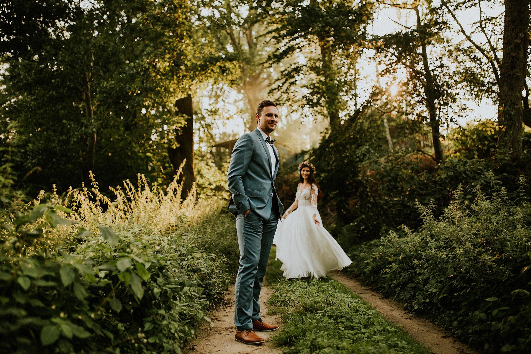 sesja ślubna w lesie kaszubskim