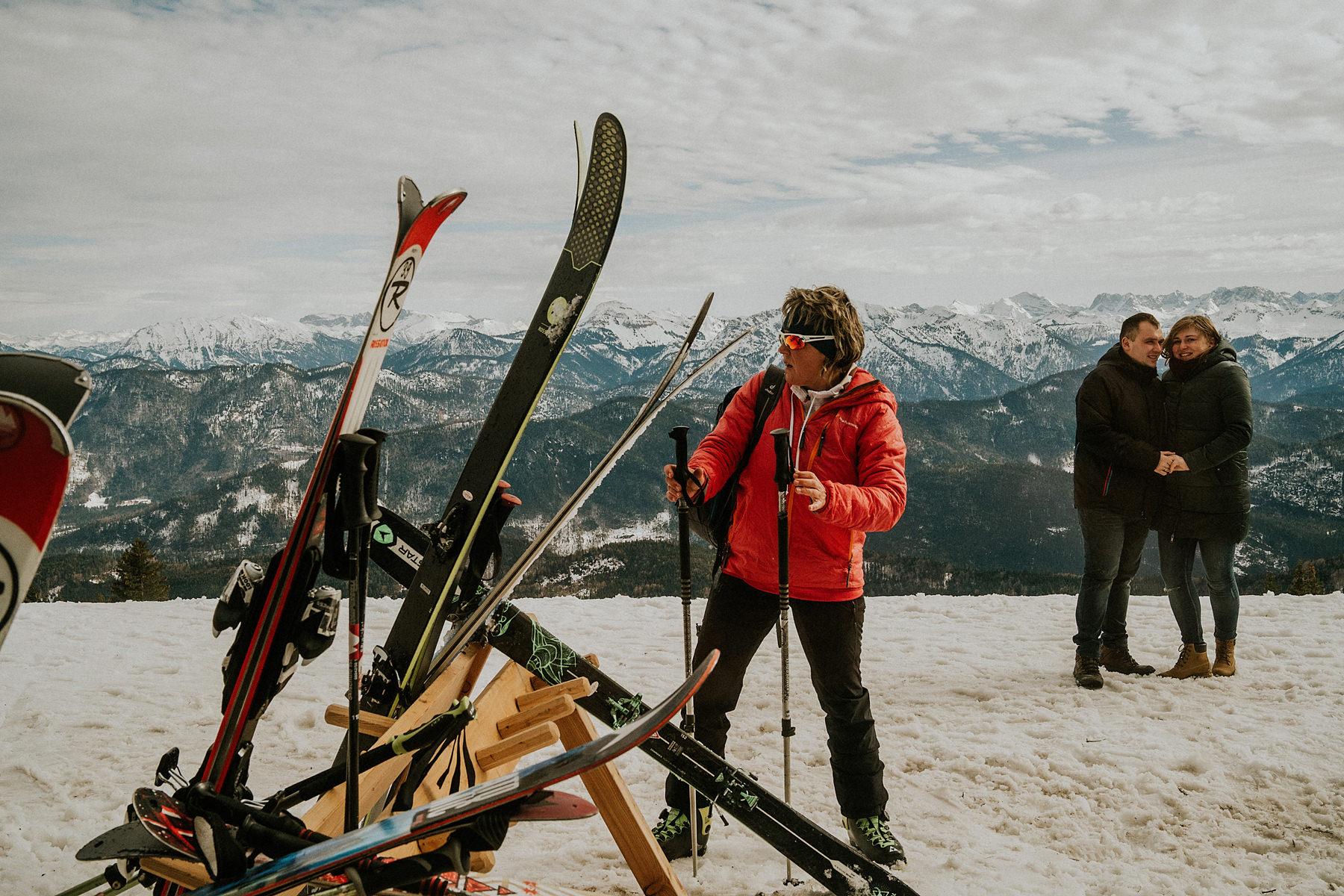 sesja brzuszkowa w górach