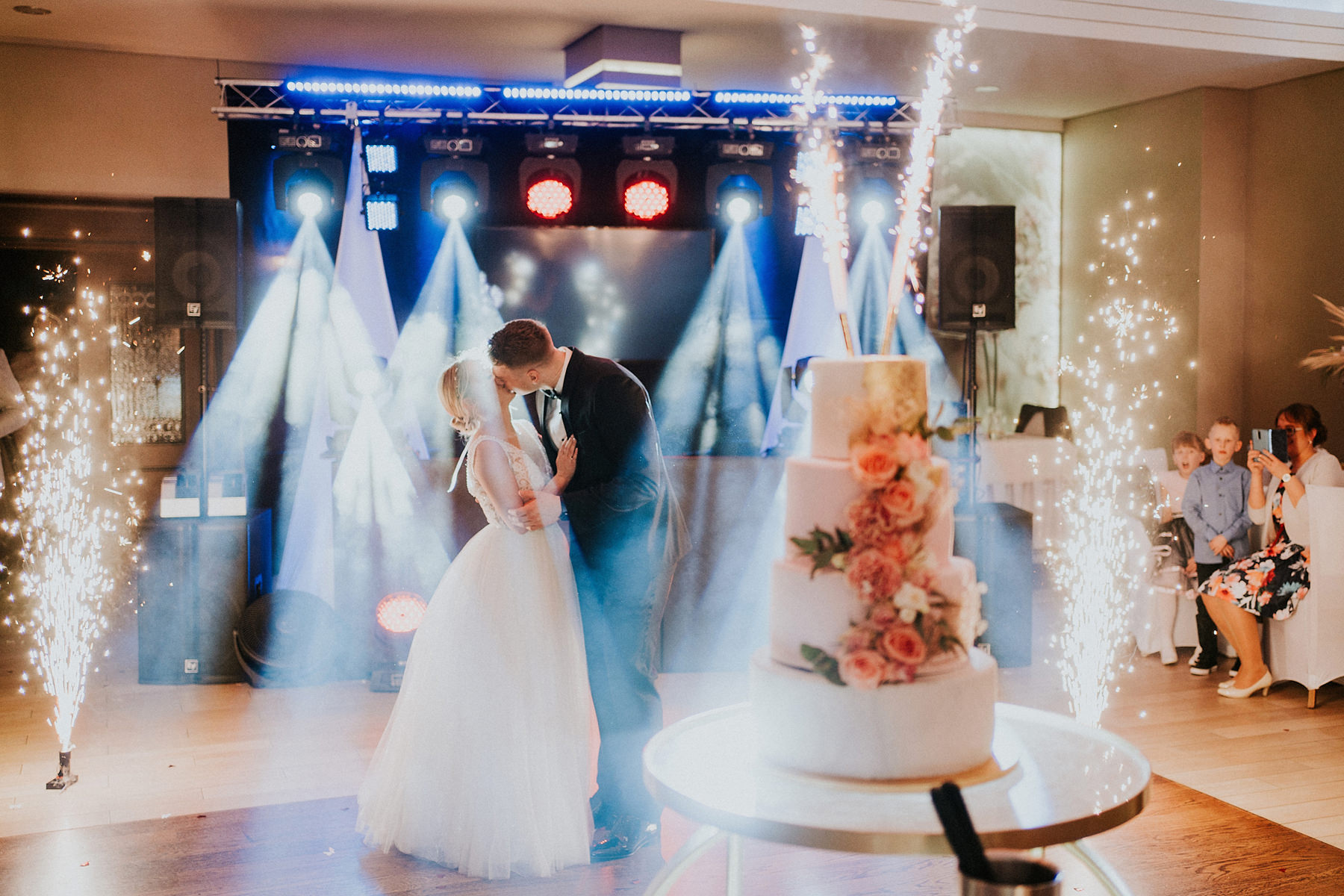 winter wedding dworek komorno