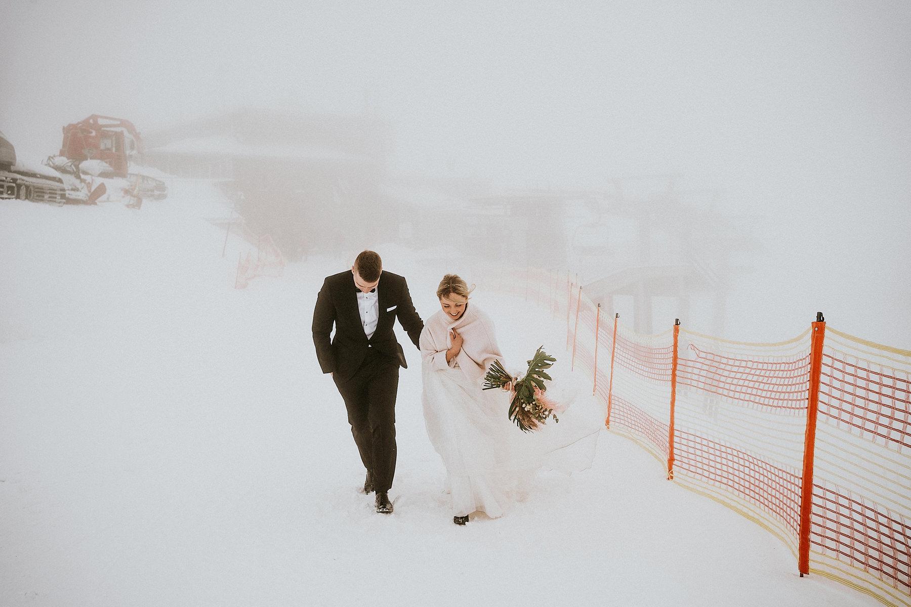 zimowa sesja poślubną w górach