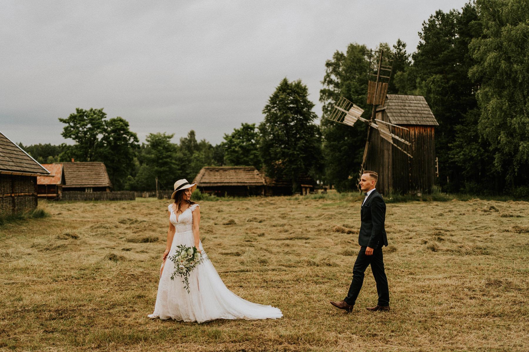 skansen w kolbuszowej sesja ślubna