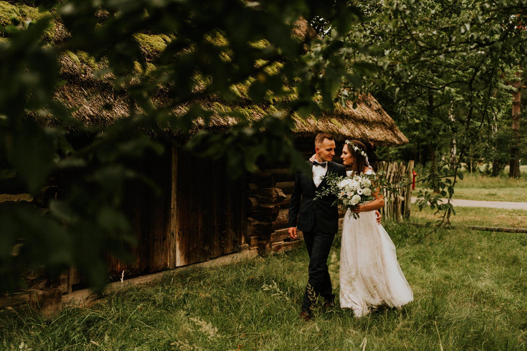 sesja ślubna w skansenie podkarpacie