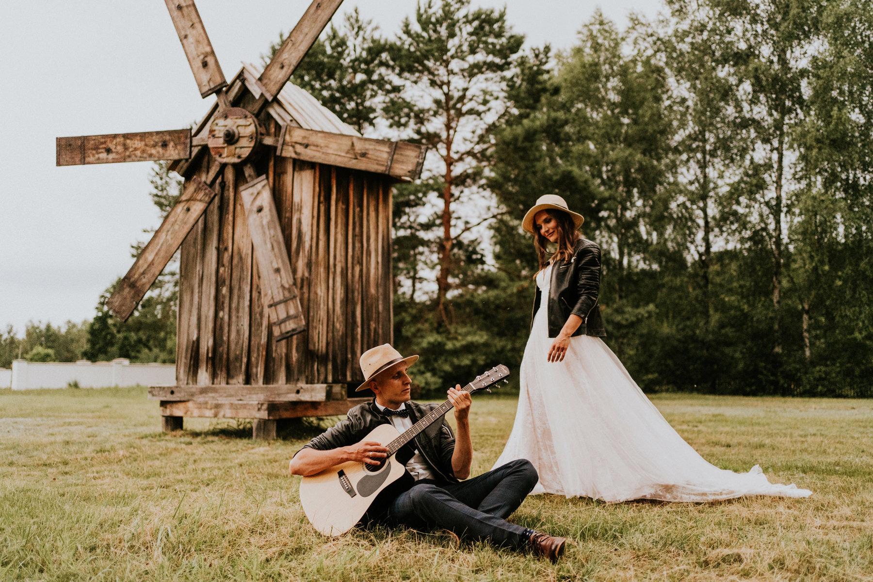 sesja ślubna z gitarą