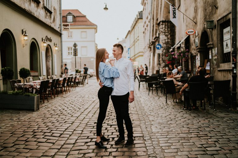 kazimierz krakow engagement session